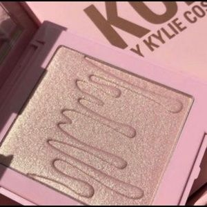 "🌟✨New Kylie Cosmetics x KoKo ""True Mama""✨🌟"